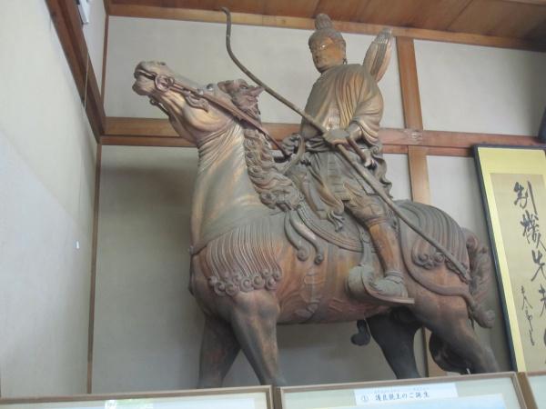 鎌倉宮宝物殿の護良親王像