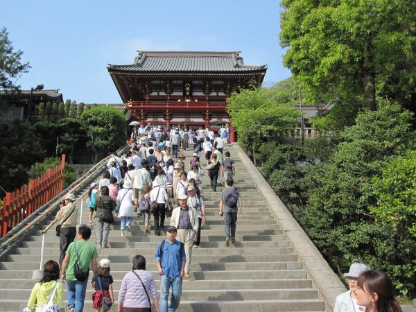 鶴岡八幡宮の本宮への階段