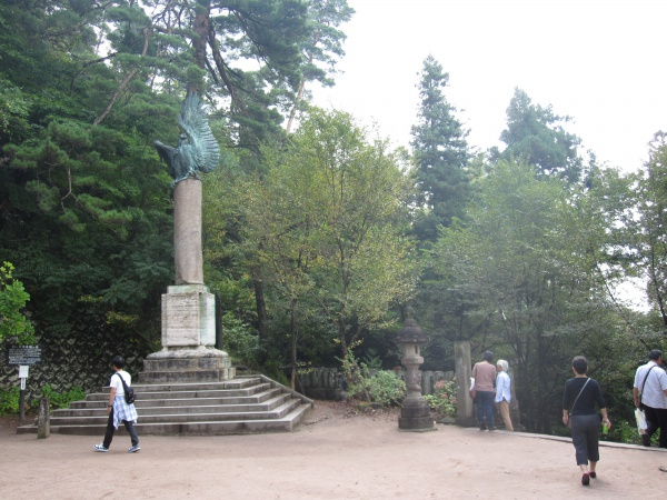 飯盛山白虎隊の墓周辺