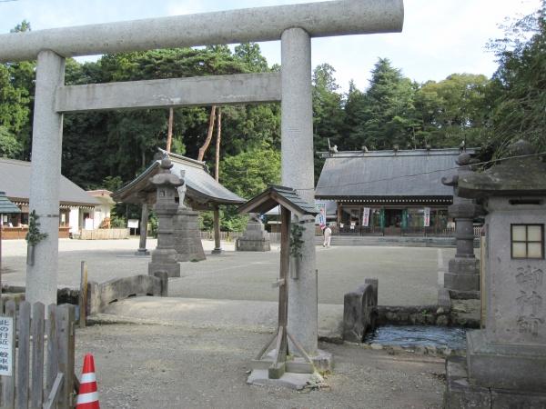 那須乃木神社鳥居と拝殿