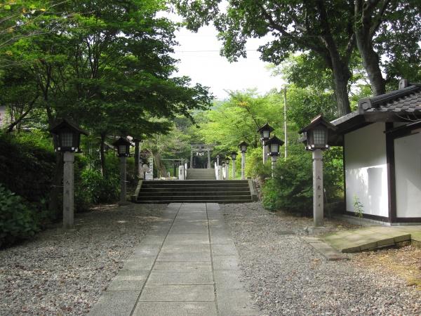 那須温泉神社参道