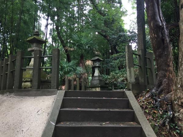 飯篠長威斉家直の墓