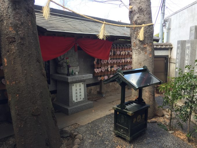 豊川稲荷東京別院の愛染明王