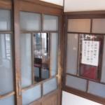 さかい家 小樽にあるアンティークな喫茶店 外観もそうだが、内装もアンティークで宜しいですHokkaidou 20121023 151619 150x150